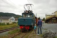 http://pix.njk.no/102/s102388-Thamshavnbanen090726-33wsBaardshaug.jpg