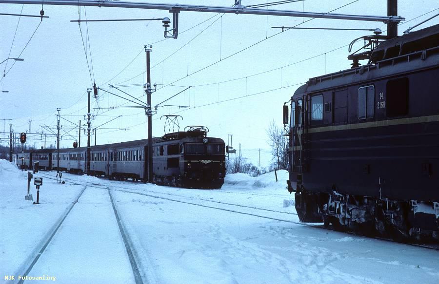 http://pix.njk.no/106/106996-1981-hjerkinn-2168.jpg