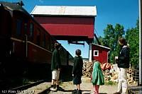 https://pix.njk.no/113//s113647-f1202-312-NorgesfoerstecontainerkranSoerumsand2001.jpg