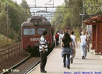 http://pix.njk.no/114/t114421-f110401-1079-Haugenstua.jpg