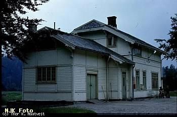 http://pix.njk.no/114/t114877-f7406-1625-Froland-jun71-Haatveit.jpg