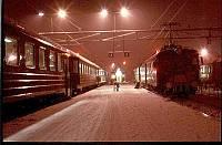 https://pix.njk.no/115//s115053-f2715-1822-241193-vinternatt-Skien-perrong.jpg