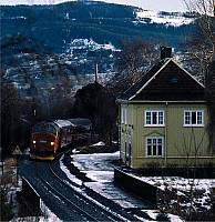 http://pix.njk.no/115//s115025-f4304-1785-KjellHegnaCharlottenlundVinter19891000.jpg