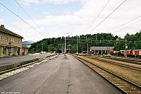 http://pix.njk.no/115//s115062-f3330-1841-Dombaas-stasjon-juli2003-F1020024.jpg