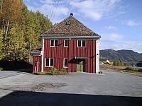 http://pix.njk.no/115//s115239-f2918-2072-Stasjonsbygning.jpg