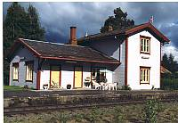 http://pix.njk.no/115//s115392-f3131-2342-Steinvikstasjonsbrygning1999.jpg