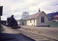 http://pix.njk.no/115//s115859-f2910-3011-Numedalsbanen-Traaen-252-1-1970-05-20_700.jpg