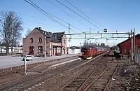 https://pix.njk.no/116//s116167-f1114-3346-Hovedbanen-Jessheim-tog344-1994-05-01_1000.jpg