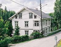 https://pix.njk.no/116//s116642-f2117-3814-Henjernbanehotell.jpg