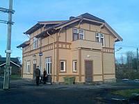 http://pix.njk.no/116//s116286-f1622-3465-StasjonsbygningenpaaReinsvoll.jpg