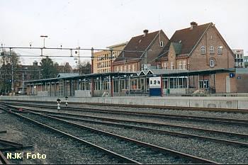 https://pix.njk.no/116/t116424-f2361-3601-Toensberg_stasjon.jpg
