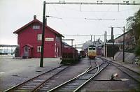 https://pix.njk.no/120//s120087-OMS212-Thamshavnstasjon30.9.1969.jpg