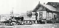 https://pix.njk.no/125//s125928-EtavRandsfjordbanensfoerstelokomotiver.jpg