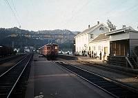 http://pix.njk.no/128//s128310-Soerlandsbanen-BFS68-Sira-1970_700.jpg