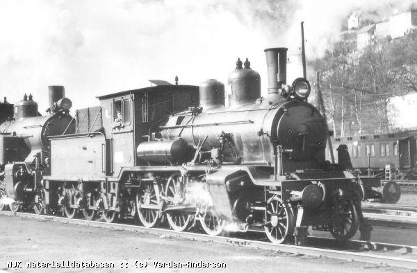 https://pix.njk.no/19/19100-21a_183_Bergen_vaaren_1953_(Verden-Anderson).jpg