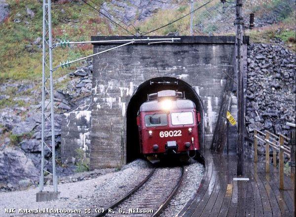 https://pix.njk.no/19/19982-Kjosfossen-280996-69022.jpg