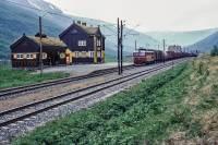 http://pix.njk.no/192//s192979-Dovrebanen-Drivstua-El14-1978_1280.jpg
