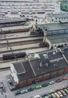 https://pix.njk.no/196//s196441-OsloOE-HovedbanenfraPostgirobygget-ca1976_h1280.jpg