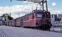 http://pix.njk.no/196/s196595-Motorvognsett-e67-16OsloOE1977_1280.jpg