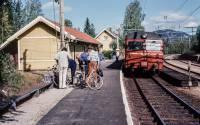 http://pix.njk.no/196//s196648-Gjoevikbanen-Harestua-sykkeltur-1976_1280.jpg