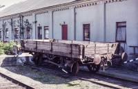 https://pix.njk.no/197//s197526-OEstfoldbanen-Halden-M-vogn-1974_1280.jpg