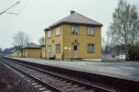 https://pix.njk.no/206//s206665-Randsfjordbanen-Drolsum-1989-05-01_2560.jpg
