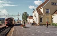 https://pix.njk.no/206/s206344-Soerlandsbanen-BM86F17-Lunde-1971_1280.jpg