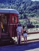 https://pix.njk.no/208//s208351-Numedalsbanen-Roedberg-KnutArneOlsen-tog591-592-1988-08-06_3000h-fotoEWJohansson.jpg