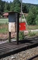 https://pix.njk.no/209//s209731-Arendalsbanen-flaggskiveFroland-1993-07-16_h3000-fotoEWJohansson.jpg