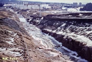 https://pix.njk.no/211/t211102-Grorudbanen-Rommen-1971_2560-fotoEWJohansson.jpg
