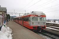 http://pix.njk.no/36/s36952-NO.015._BS69.670._Paa_Gjoevik_stasjon_etter_ankomst_med_Pt.203._06.04.06..jpg