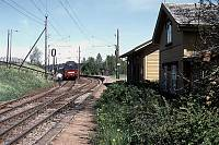http://pix.njk.no/90//s90458-OEstfoldbanen-Holstad-05-1989-05_900.jpg