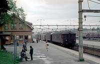 https://pix.njk.no/93//s93850-nsb-1975-5-20-ski-stasjon.jpg